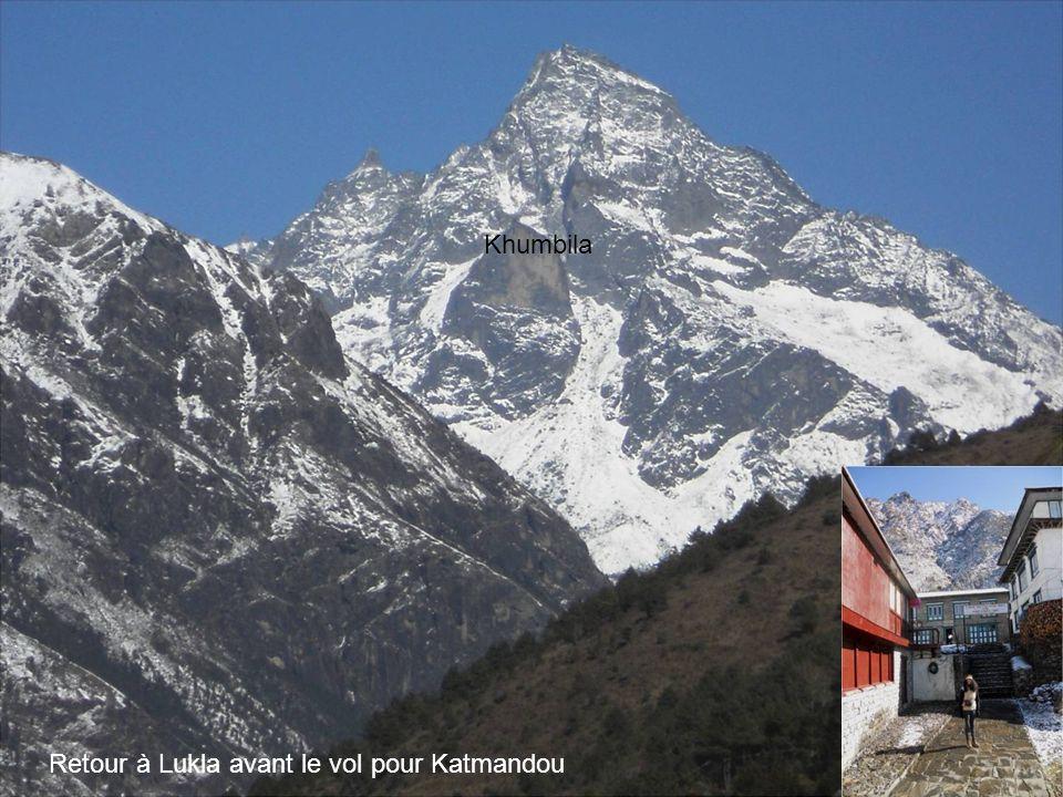 Retour à Lukla avant le vol pour Katmandou Khumbila