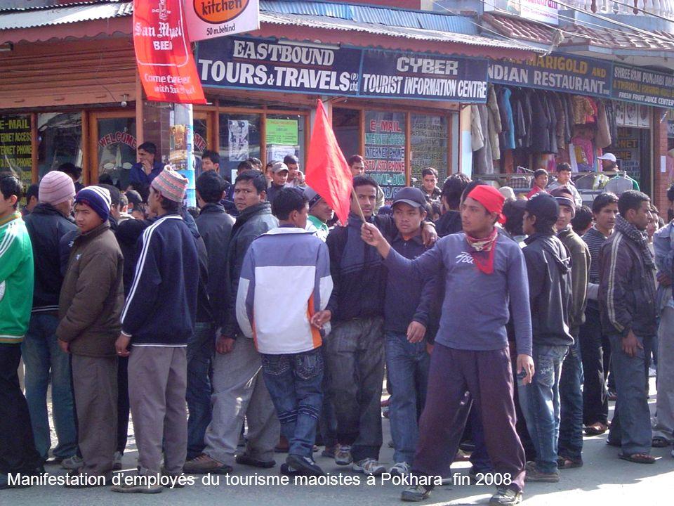 Photo Annie Béghin Manifestation demployés du tourisme maoistes à Pokhara fin 2008