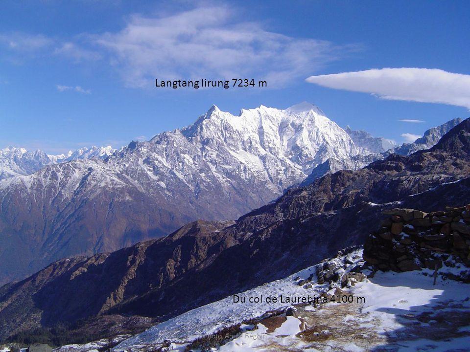 Photo Annie Béghin Langtang lirung 7234 m Du col de Laurebina 4100 m