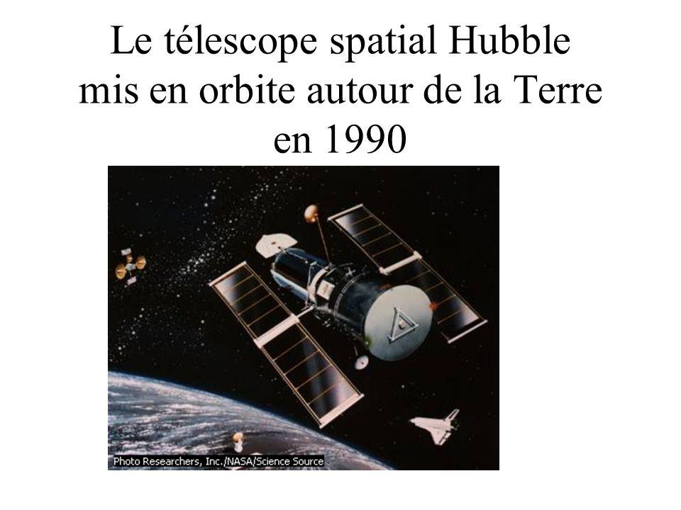 Le télescope spatial Hubble mis en orbite autour de la Terre en 1990