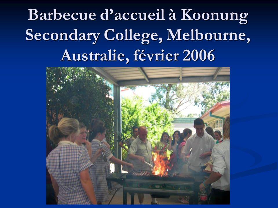 Barbecue daccueil à Koonung Secondary College, Melbourne, Australie, février 2006