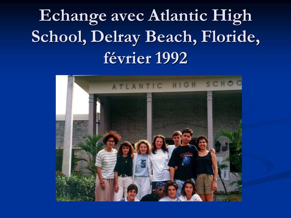 Les élèves posent devant une limousine, Floride, février 1992