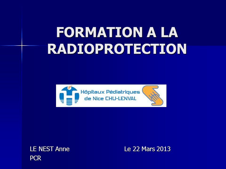 Irradiation partielle Dose (Gy) Dose (Gy) Dose Equivalente(mSv) OrganeEffets Réponse tout ou rien Embryon Avant implantation (1 er - 8eme jour) 0,1100Embryon Pendant lorganogenèse (9é-60é jour) 0,1 – 0,2 100 -200 Embryon Stade fœtal: IG si >200mSv 0,3 – 0,5 150Testicules Stérilité provisoire 1PeauFragilisation 3PeauDesquamation,Erythéme 3Ovaires 5 3500 – 6000 Testicules Stérilité définitive 7 2500 – 2000 Ovaires Stérilité définitive 5 – 10 5000Peau Épidermite exsudative 5 – 10 5000CristallinCataracte 15 - 20 Peau Ulcération, nécrose aiguë.épilation définitive