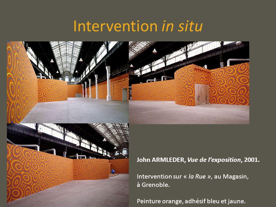Intervention in situ John ARMLEDER, Vue de lexposition, 2001. Intervention sur « la Rue », au Magasin, à Grenoble. Peinture orange, adhésif bleu et ja