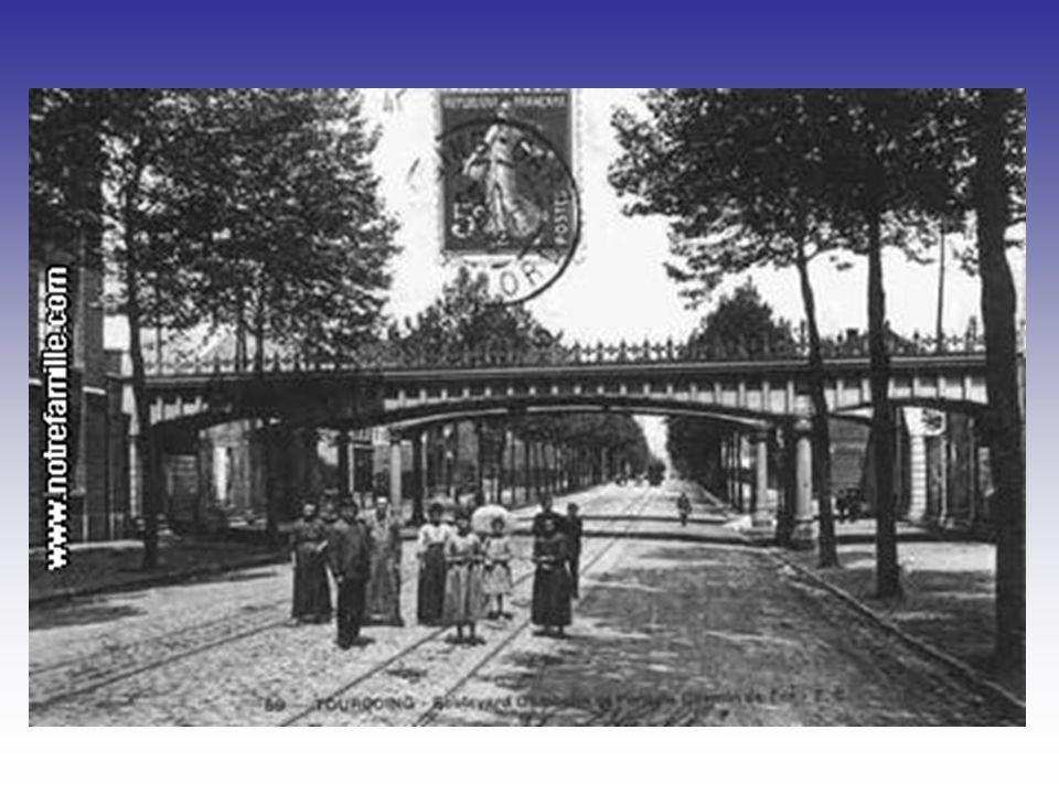 Le square de lhôtel de ville et le conservatoire de musique