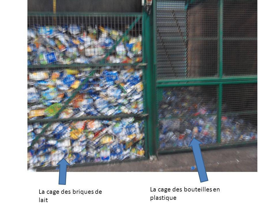 La cage des briques de lait La cage des bouteilles en plastique