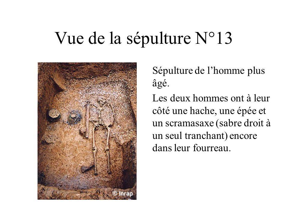 Vue de la sépulture N°13 Sépulture de lhomme plus âgé.