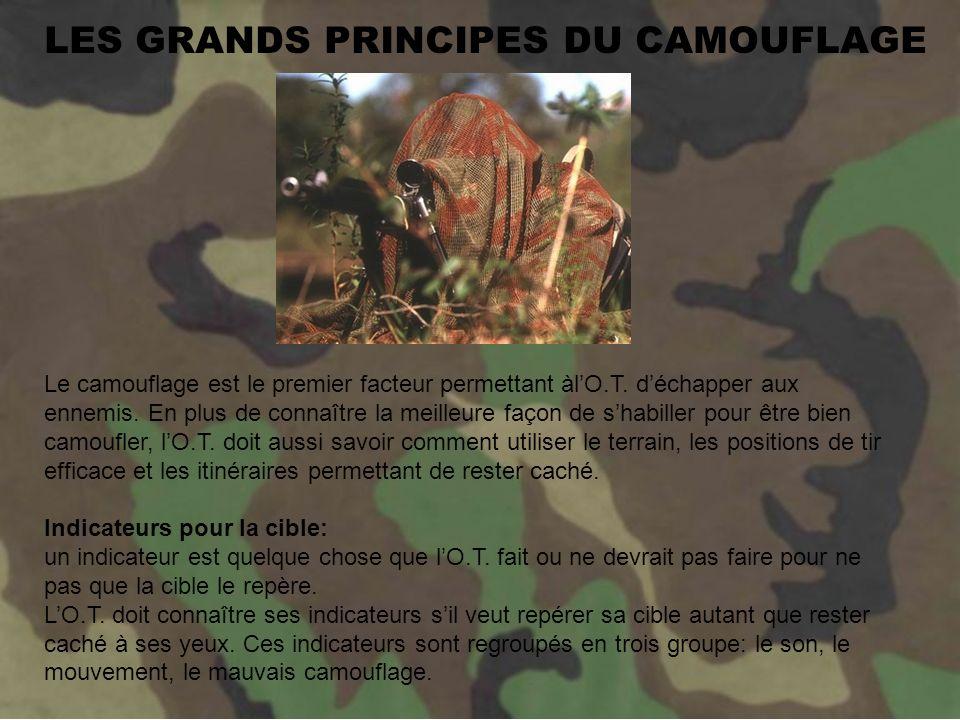 La GHILLIE SUIT est un uniforme de camouflage qui est garnie de morceaux de diverses formes et couleurs.