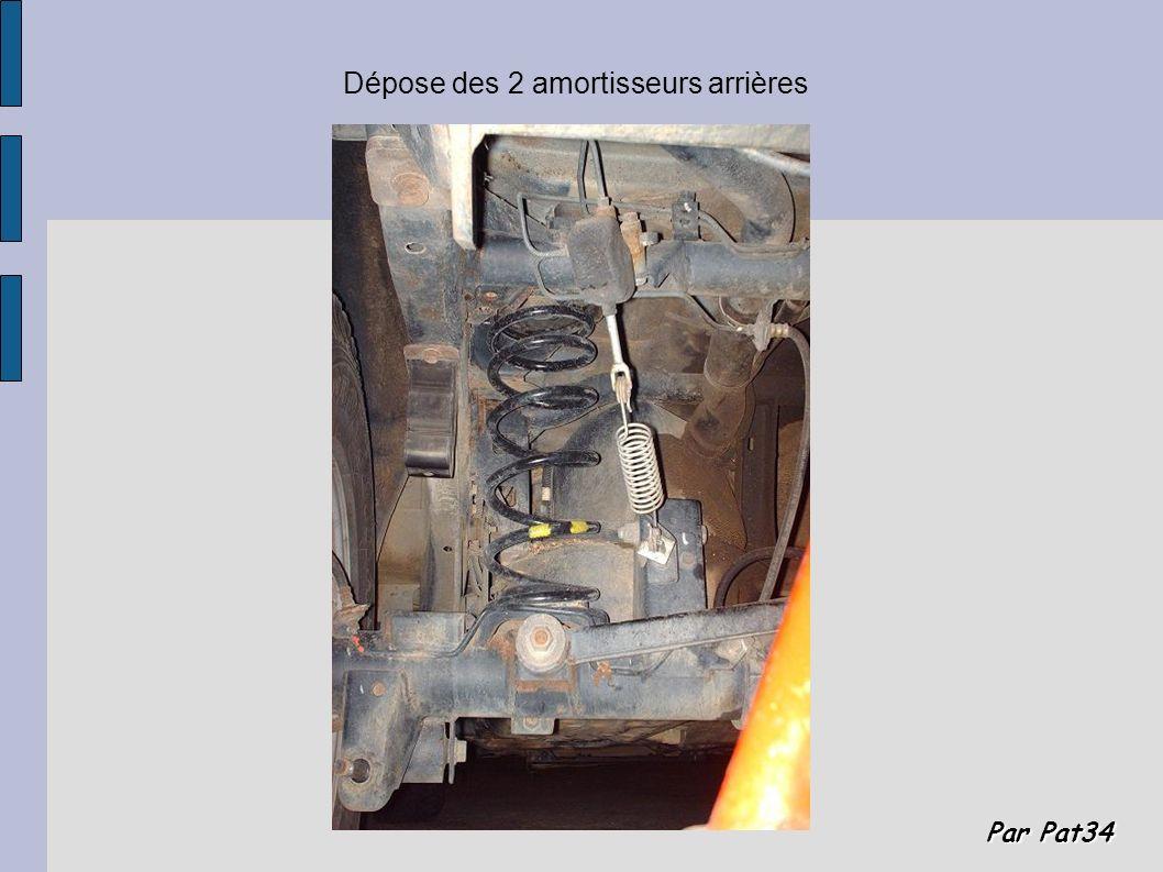 Par Pat34 Dépose des 2 amortisseurs arrières