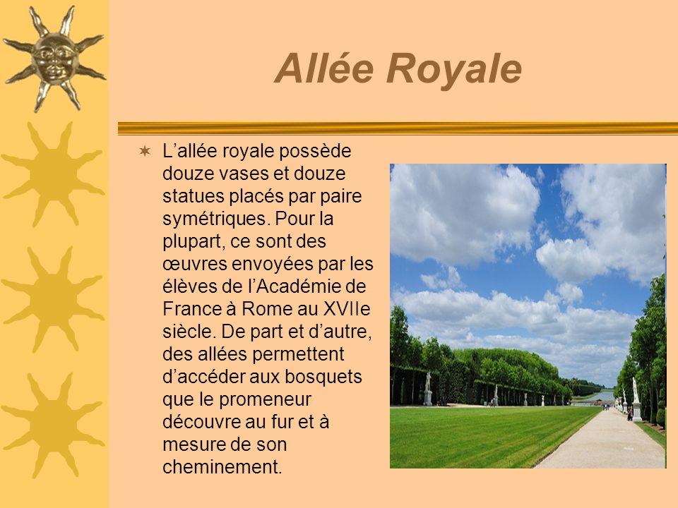 Allée Royale Lallée royale possède douze vases et douze statues placés par paire symétriques.