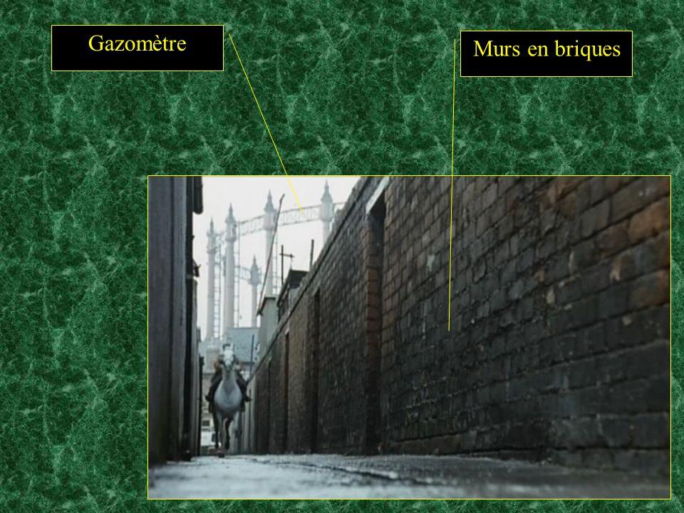 Gazomètre Murs en briques