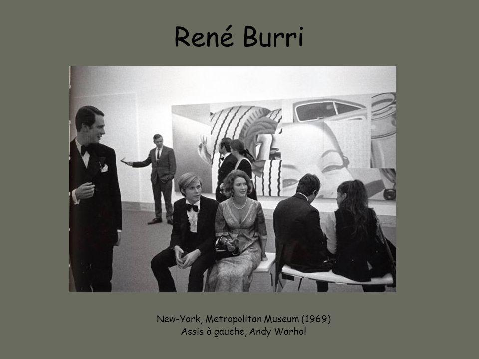 René Burri New-York, Metropolitan Museum (1969) Assis à gauche, Andy Warhol