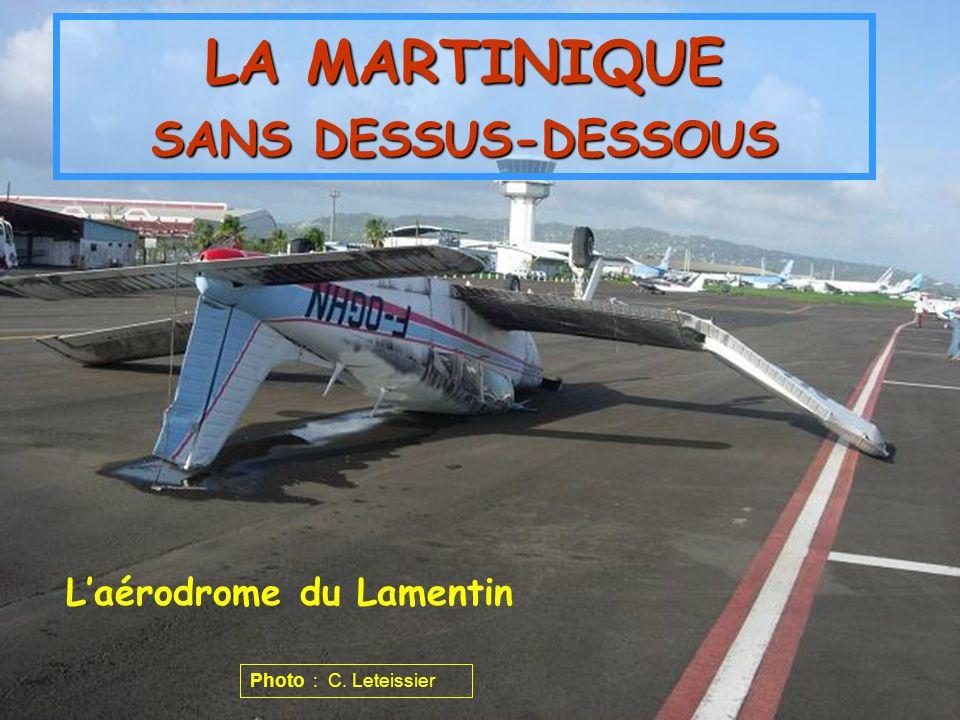 Laérodrome du Lamentin LA MARTINIQUE SANS DESSUS-DESSOUS Photo : C. Leteissier