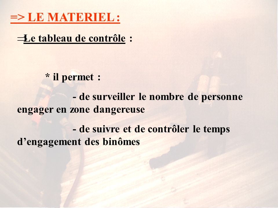 => LE MATERIEL : La ligne de vie : * elle permet - davoir une liaison avec le contrôleur resté à lextérieur - de revenir facilement au point dentrée L