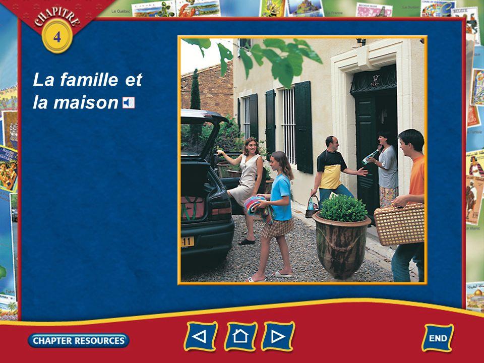 4 Talking about a home and the neighborhood premier, première first deuxième troisième loin de (tout) près de third far from second close to Vocabulaire (English–French)