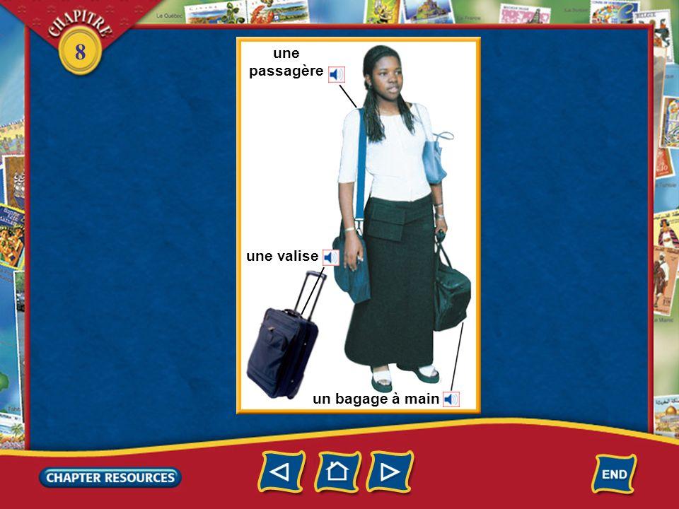 8 À laéroport le hall de laérogare le comptoir de la compagnie aérienne un agent Maintenant Justine est dans le hall de laéroport. Elle fait enregistr