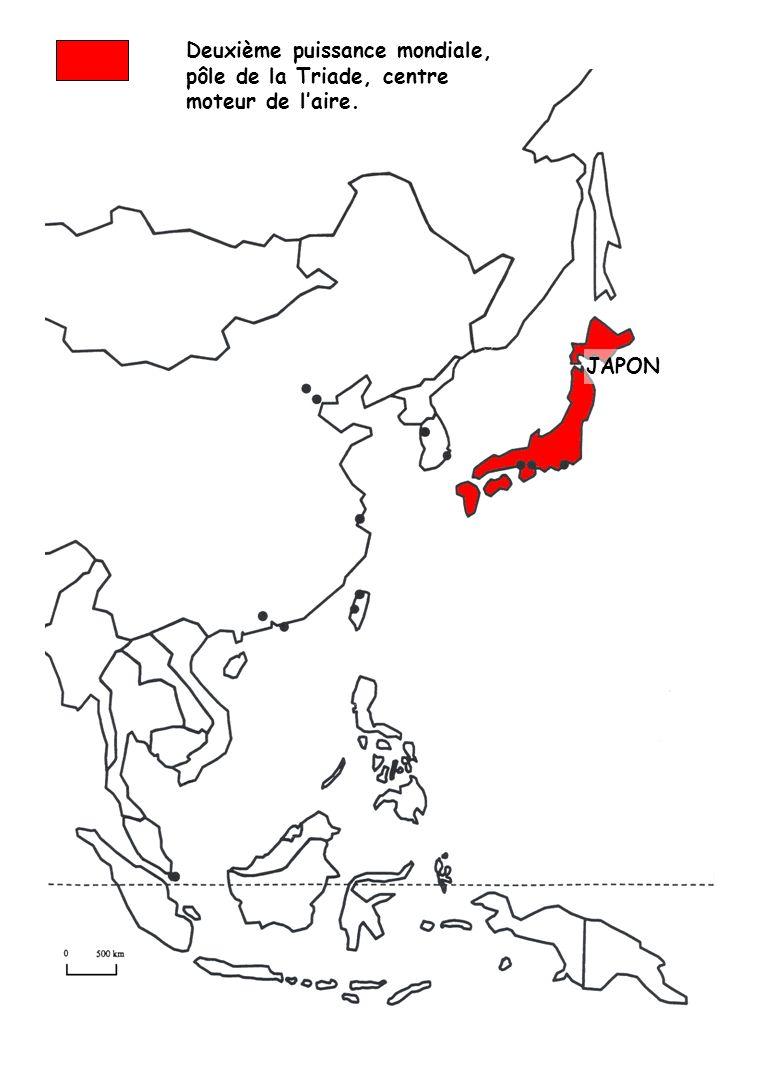 Le cœur de laire de puissance autour de la mégalopole japo- naise et les investissements nippons massifs sur le continent Les Chines méridionales ouvertes (atelier du monde, origines principales de la diaspora chinoise, rôle financier croissant) Le triangle de croissance SIJORI, une porte dentrée portuaire, autour du hub singapourien