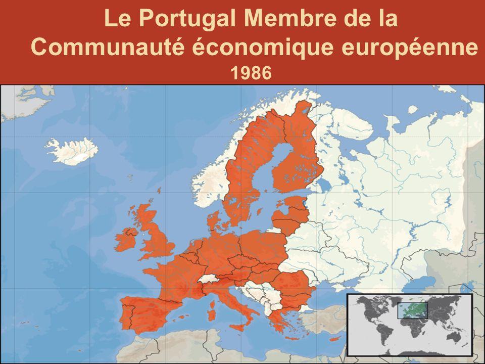 122 LA RÉVOLUTION des œillets, des capitaines et du 25 avril 1974 Salgueiro Maia Capitaine davril. 1944- 1992