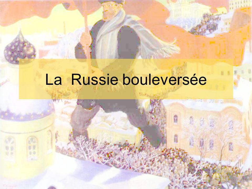 En 1914 Nicolas II, tsar de Russie Empire autocratique En 1905: dimanche rouge (22- 1) la garde impériale tire sur une fouledésarmée venue réclamer la démocratie- près de 1000 morts => N.II doit finalement accepter les réformes => Douma (peu de pouvoirs)