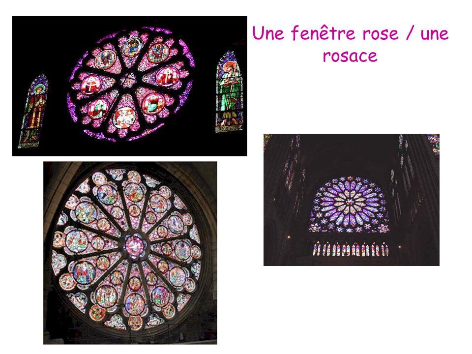 Une fenêtre rose / une rosace
