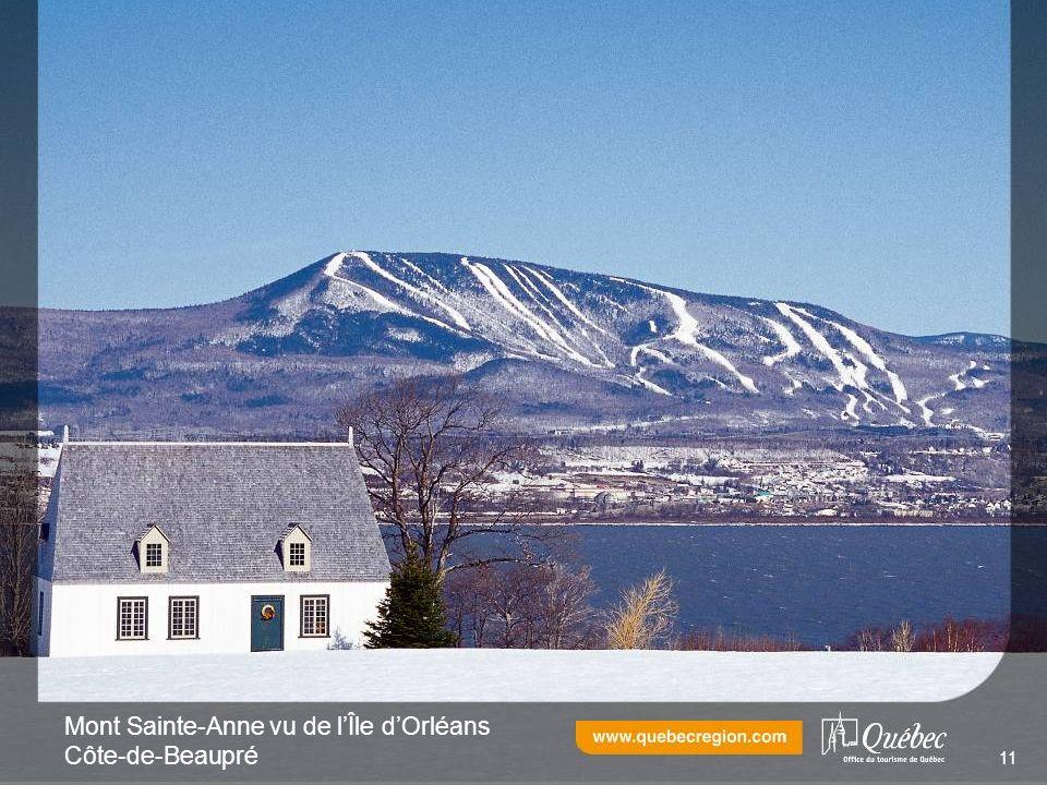 Mont Sainte-Anne vu de lÎle dOrléans Côte-de-Beaupré 11