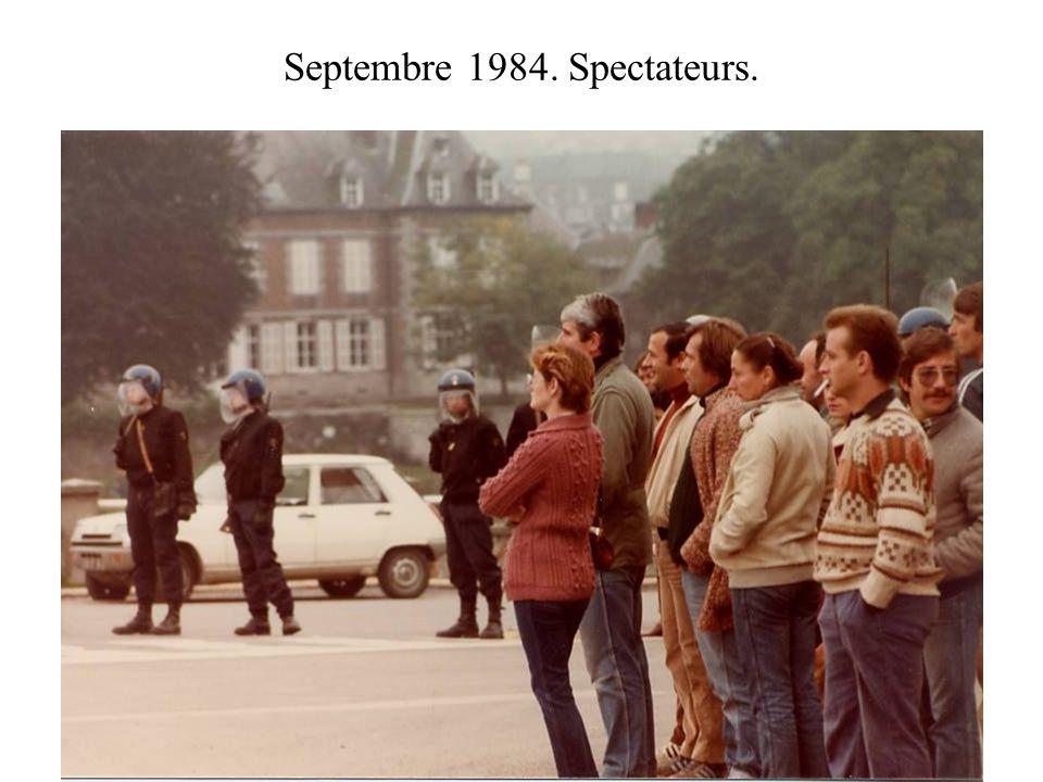 Septembre 1984. Spectateurs.