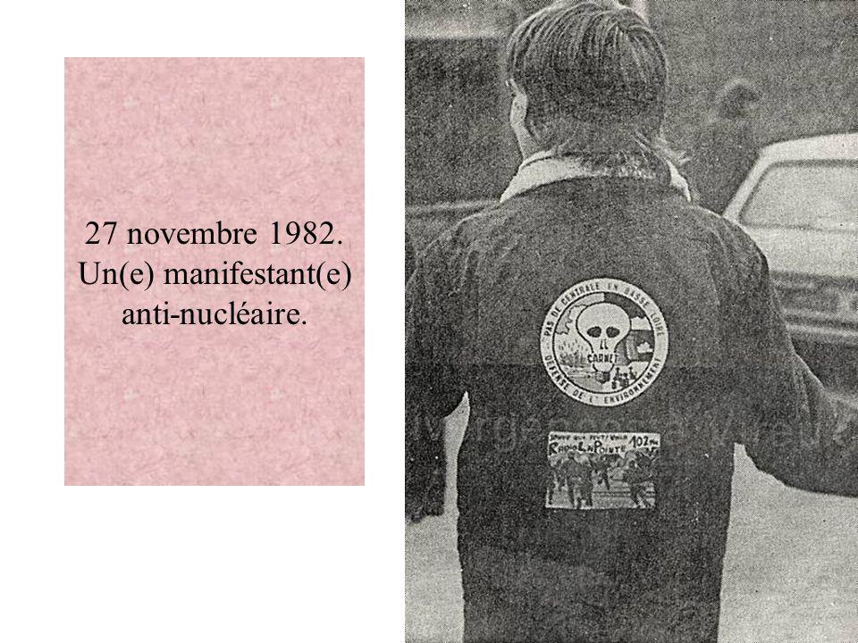27 novembre 1982. Un(e) manifestant(e) anti-nucléaire.