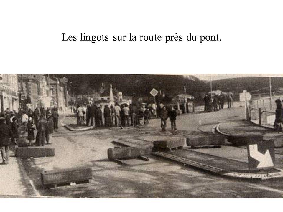 13 juillet 1982. Meeting devant lusine. Cet épisode est sans lien avec les antinucléaires.