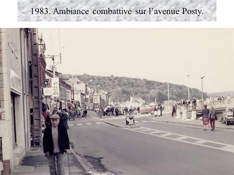 1983. Ambiance combattive sur lavenue Posty.