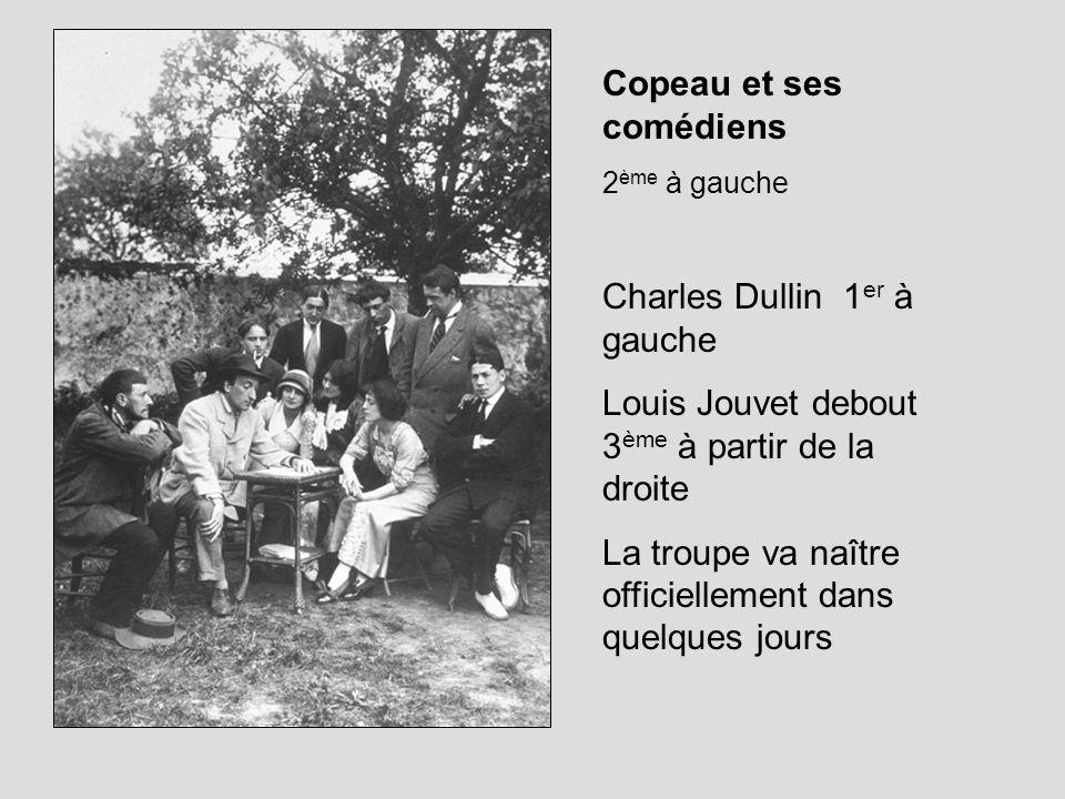 Francis Jourdain a agrandi la scène et le proscénium Disparition du manteau darlequin