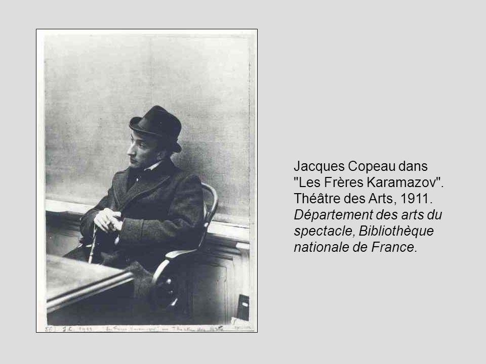 Louis Jouvet Il est acteur mais aussi Chef de plateau aux débuts du Vieux Colombier… Avec Copeau Ils joueront le choix des lumières, des matières, des couleurs et des costumes Ils refusent de « succomber aux prestiges de la machinerie » Mais ne remettent pas en cause la technique