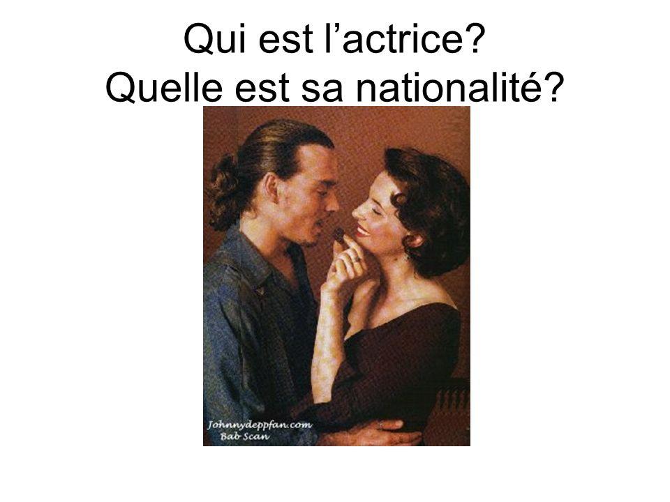 Cest Juliette Binoche. Elle est française.