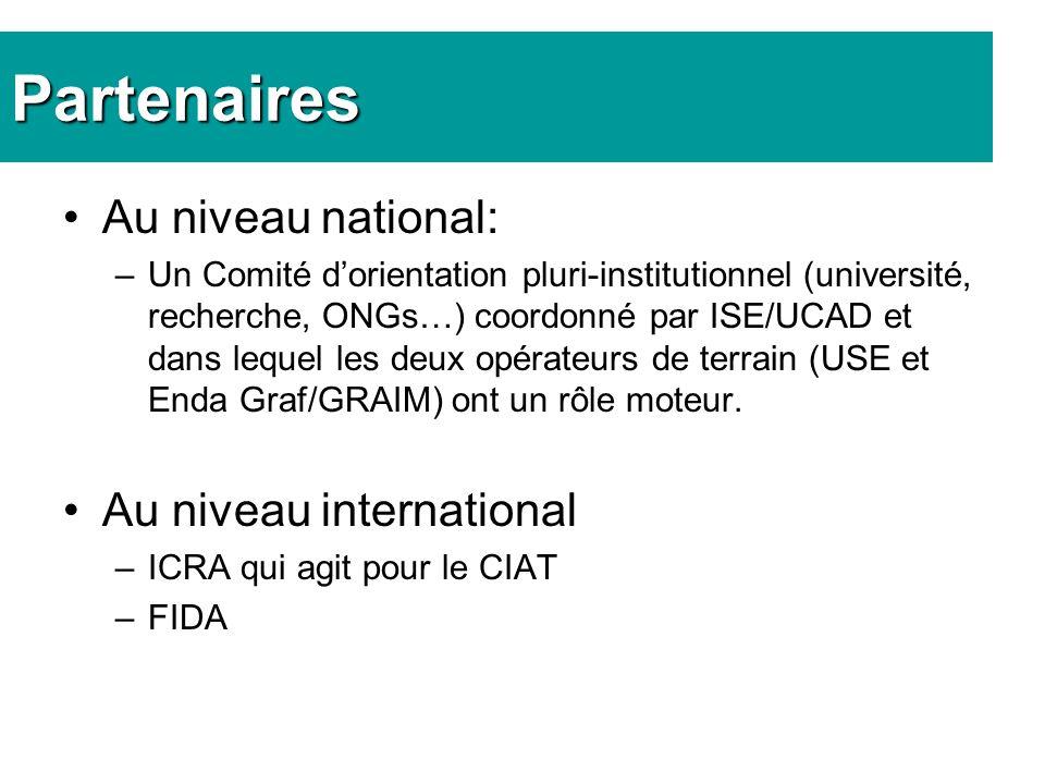 Partenaires Au niveau national: –Un Comité dorientation pluri-institutionnel (université, recherche, ONGs…) coordonné par ISE/UCAD et dans lequel les deux opérateurs de terrain (USE et Enda Graf/GRAIM) ont un rôle moteur.
