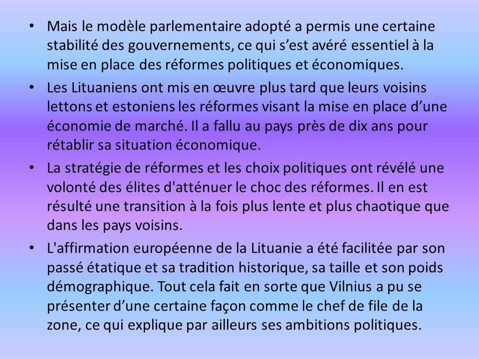 Mais le modèle parlementaire adopté a permis une certaine stabilité des gouvernements, ce qui sest avéré essentiel à la mise en place des réformes pol