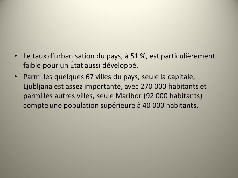 Le taux durbanisation du pays, à 51 %, est particulièrement faible pour un État aussi développé. Parmi les quelques 67 villes du pays, seule la capita