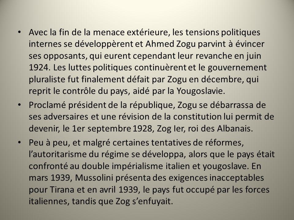 Avec la fin de la menace extérieure, les tensions politiques internes se développèrent et Ahmed Zogu parvint à évincer ses opposants, qui eurent cepen