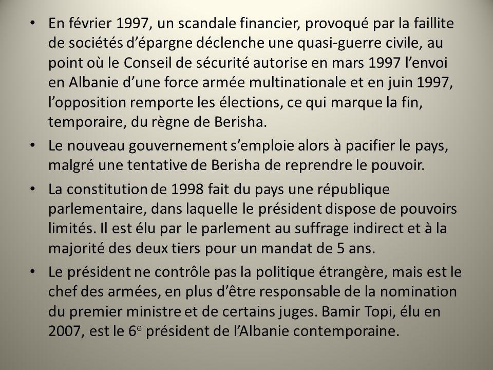 En février 1997, un scandale financier, provoqué par la faillite de sociétés dépargne déclenche une quasi-guerre civile, au point où le Conseil de séc