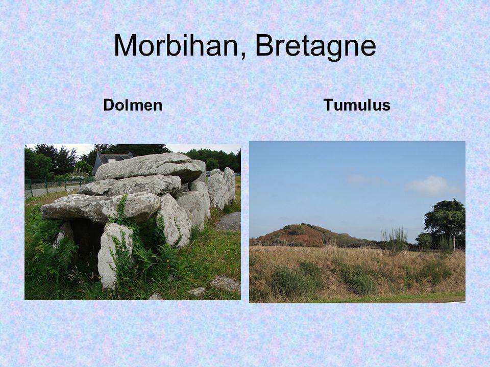 Morbihan, Bretagne TumulusDolmen