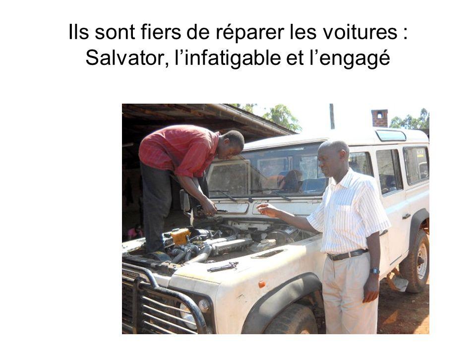 Ils sont fiers de réparer les voitures : Salvator, linfatigable et lengagé