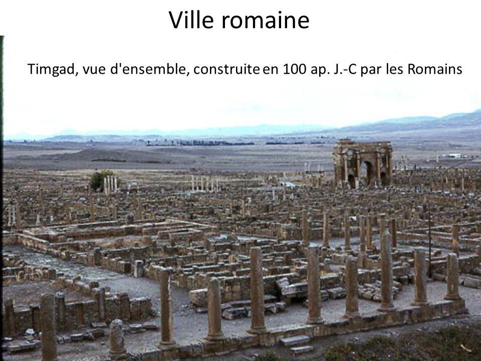 Ville romaine Timgad, vue d'ensemble, construite en 100 ap. J.-C par les Romains