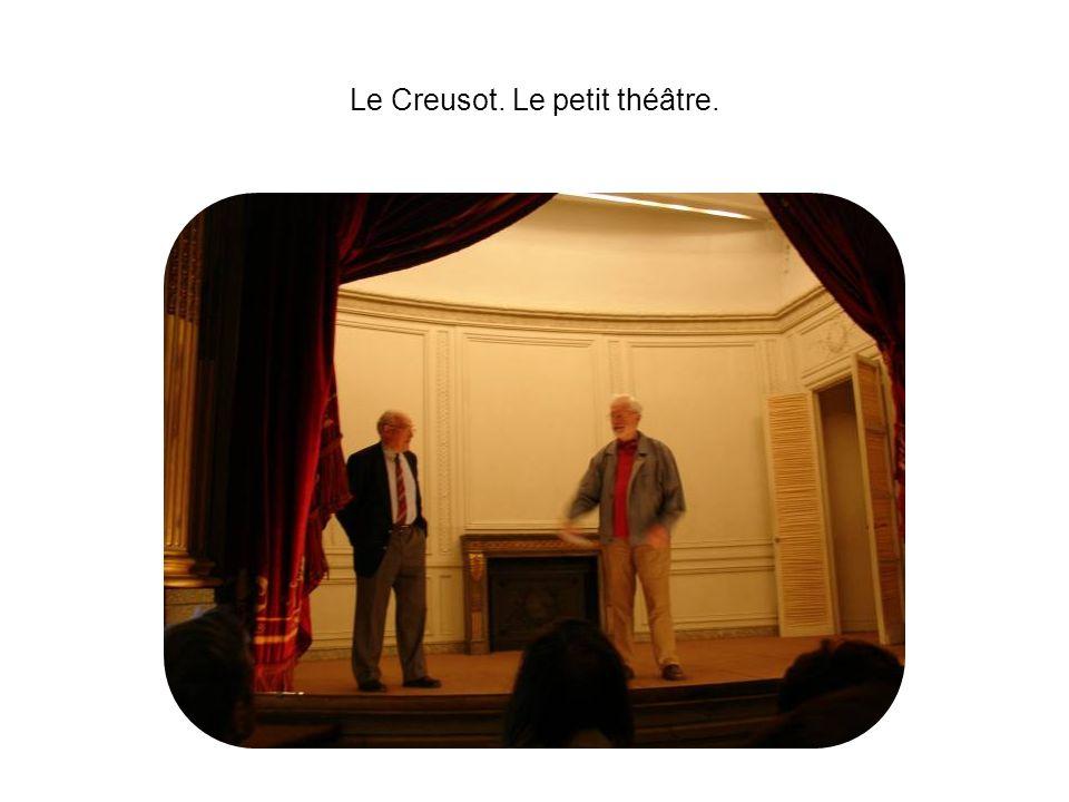 Le Creusot. Le petit théâtre.