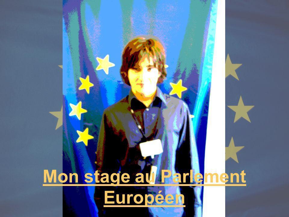 Je voulais faire mon stage dans un milieu international Aussi lorsquà Paris je fais la connaissance de Mr Szajer, député Européen, je lui demande tout de suite sil lui est possible de me prendre en stage au Parlement.