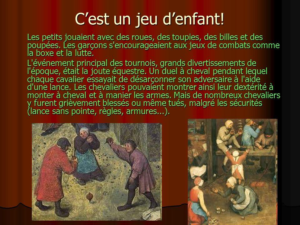 Cest un jeu de société Au Moyen Âge, le peuple appréciait les jeux de société, les plus pratiqués étant les échecs, les dames et le Ludus duodécimo scriptorium (sorte de Trictrac), les dés, les marelles et l alquerque...