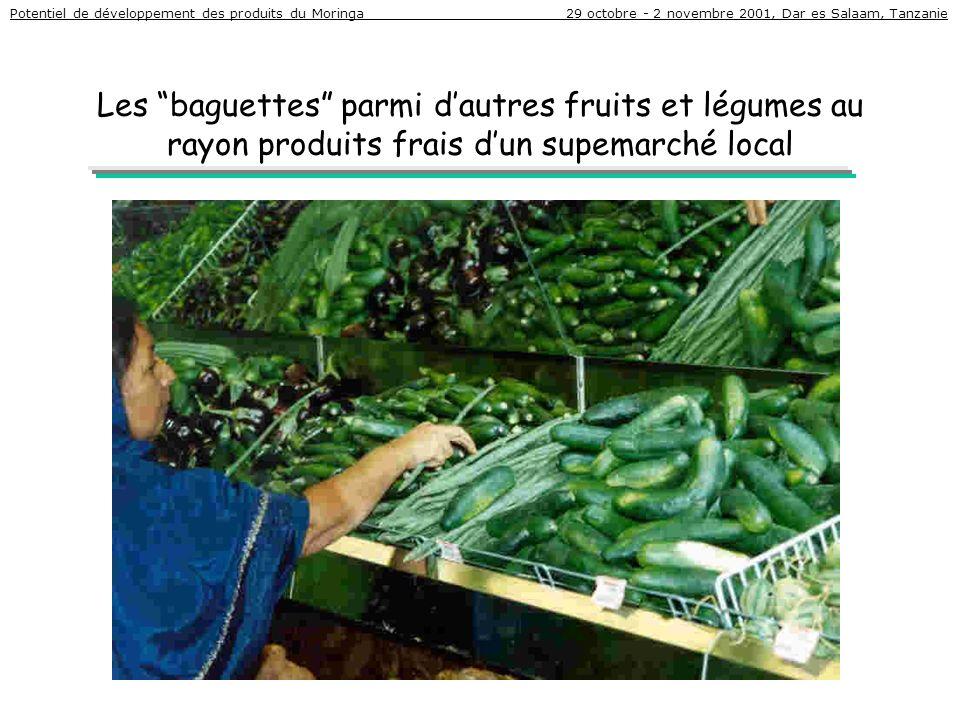 Les baguettes parmi dautres fruits et légumes au rayon produits frais dun supemarché local Potentiel de développement des produits du Moringa 29 octob