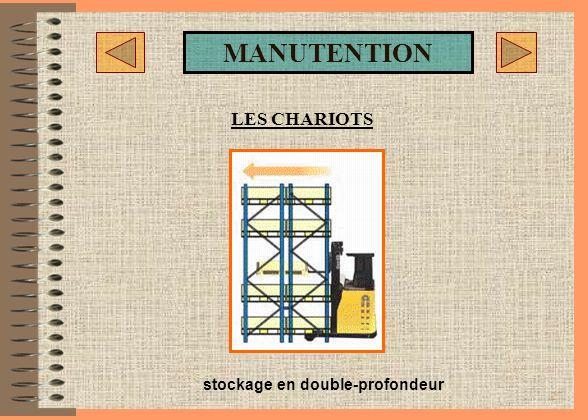 26 SMB : MANUTENTION LES CHARIOTS Chariot à mât rétractable tri-directionnel LES CHARIOTS ELEVATEURS : Le tri directionnel ETX permet la prise et dépo
