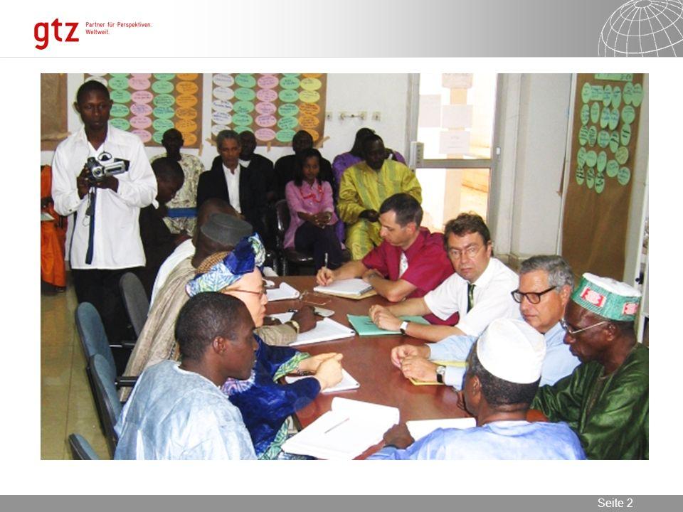 08.01.2014 Seite 13 Seite 13 Membres de l Association Guinéenne des Evaluateurs (AGEVAL).