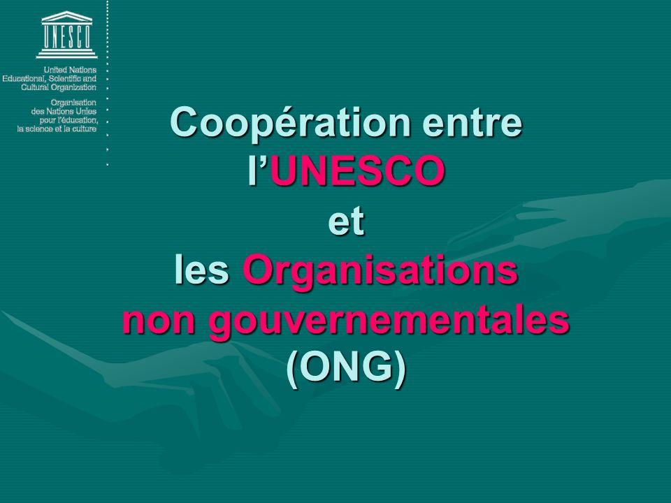 Paragraphe 5 de son préambule : « La paix doit être établie sur le fondement de la solidarité intellectuelle et morale de lhumanité » Article XI.4 : LUNESCO peut prendre toutes dispositions pour faciliter les consultations et assurer la coopération avec les ONG La coopération avec les ONG est basée sur la Constitution de lUNESCO