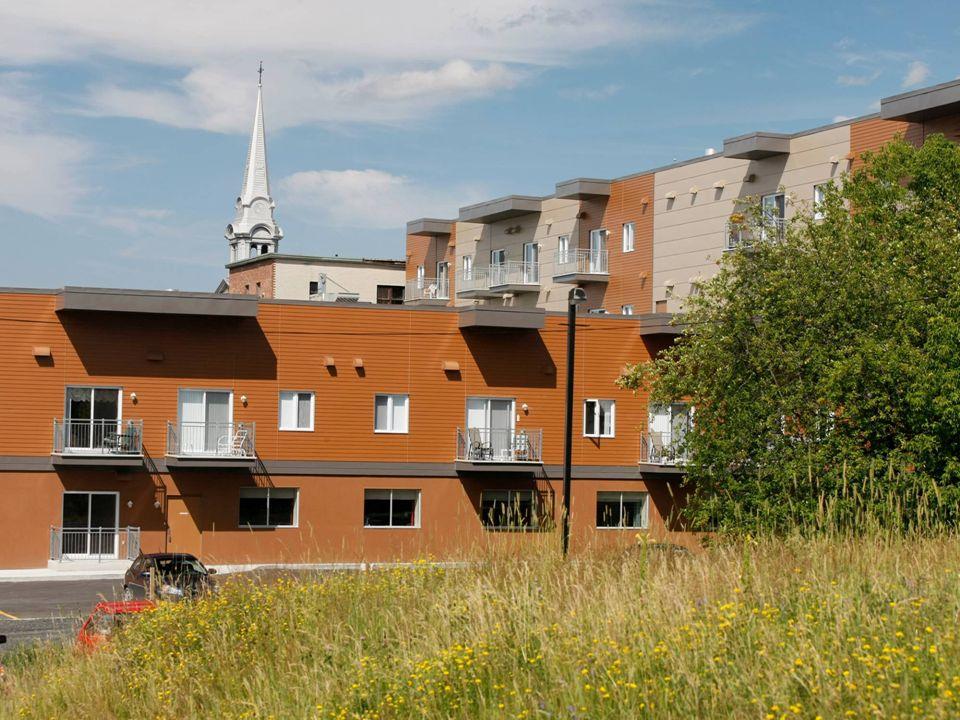 « Donner au suivant » Le refinancement des projets de logements communautaires au Québec 19