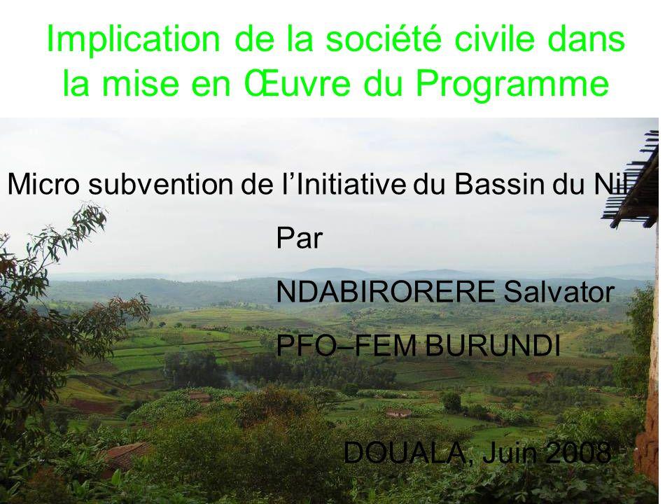 INTRODUCTION Avec 27 834 km² et 7,4 millions dhabitants, le Burundi, un des pays les plus petits et surpeuplés dAfrique subsaharienne ; Population à 90 % rurale et vivant de lagriculture ; La guerre qui prévaut dans le pays pendant 13 ans a renforcé la paupérisation de la population ; Le gel de la coopération internationale suite à la guerre entraîne labsence dactivités de développement ; Pays partagé entre deux bassins : Bassin du Nil et Bassin du Congo ; Il dispose dune des sources les plus méridionales du Nil et contribue à 9 % dans le Nil ; Suite à sa position géographique : Membre de beaucoup dorganisations sous-régionales des deux bassins : CEEAC, COMIFAC, IBN, EAC, etc.