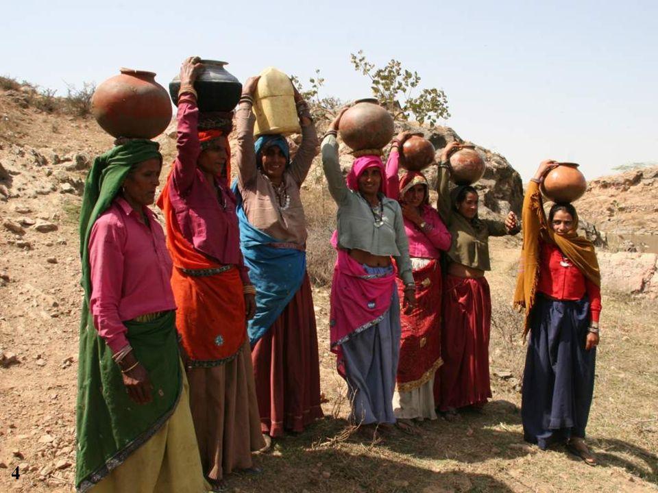 Ici en Inde : 50 retenues deau, 450 000 à 500 000 bénéficiaires 15